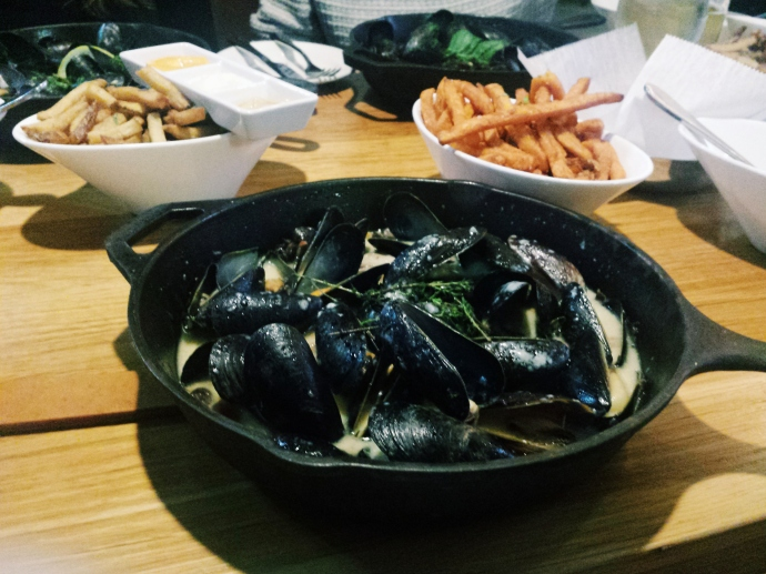 Mussels & frites, aka fries. Life doesn't get a lot better on a cold day!
